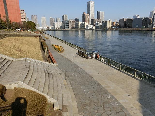 隅田川の最下流にあるため釣り場まで近い。